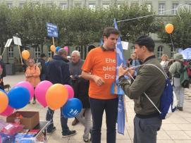 #BusderMeinungsfreiheit am 9.9.2017 in Wiesbaden