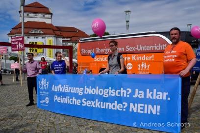 Tag 2 Bus der Meinungsfreiheit in Dresden